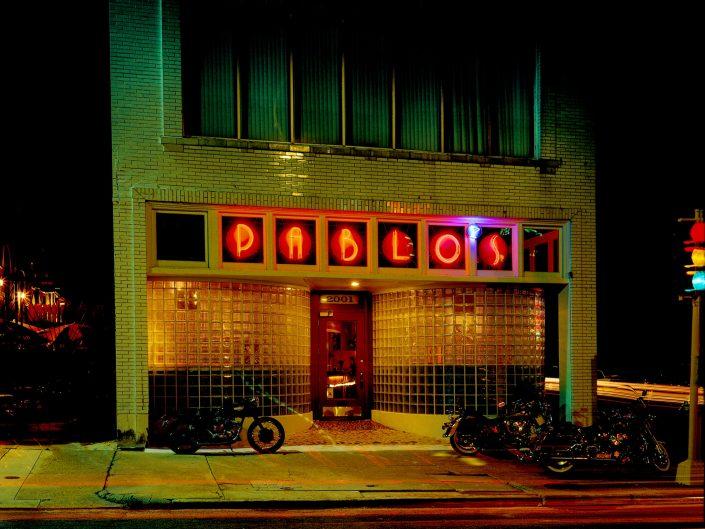 Pablos Bar w motorcyles